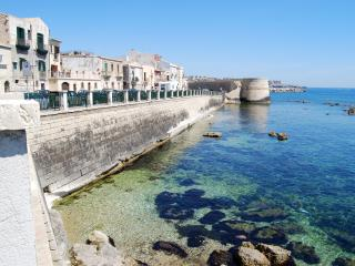 Two Bedroomed lst floor apartment with stunning sea views - Syracuse vacation rentals