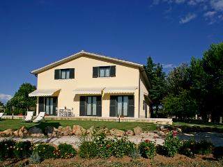 Waterfall,  SPA and golf resort of Saturnia 2,5 km - Manciano vacation rentals