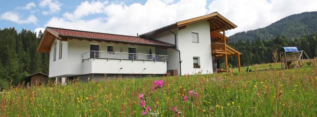 Apartment Tennengebirge -modern with mountain view - Saint Martin am Tennengebirge vacation rentals