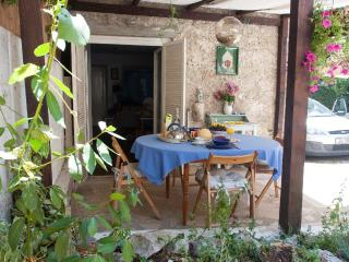 Lovely Sunny Cottage, 90 km from Dubrovnik - Poluotok Peljesac vacation rentals
