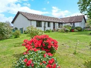 CALLANISH family-friendly, near beach in Benderloch Ref 24755 - Benderloch vacation rentals