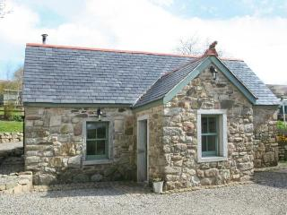 KYLEBEG COTTAGE, character cottage with woodburner, tranquil setting, near Lackan and Blessington, Ref 25248 - Naas vacation rentals