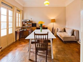 A Casa Formosa - MidCentury Haven - Porto vacation rentals