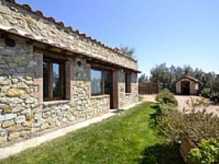 Casa Verdiana E - Pari vacation rentals