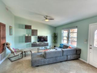 Modern 2BR w/ pool, hottub, view, beach access! - Oceanside vacation rentals