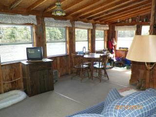 Beautiful Cottage with Toaster and Fireplace - Lincolnville Center vacation rentals