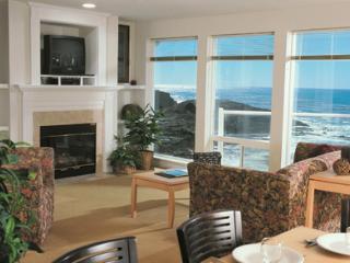 2-bed Top Floor CENTRAL OREGON COAST OCEAN FRONT - Depoe Bay vacation rentals