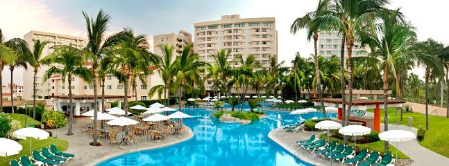 Property's main swimming pool - Sea Garden (Mayan Palace) condominium - Mazatlan - rentals