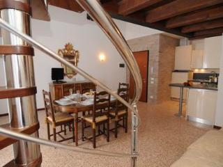 ID 1302 - Gorgeous 3br+2 bthr  apt with Canal View - Quarto D'Altino vacation rentals