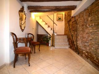ID 423 Independent 3br duplex apartment in Venice - Brussels vacation rentals