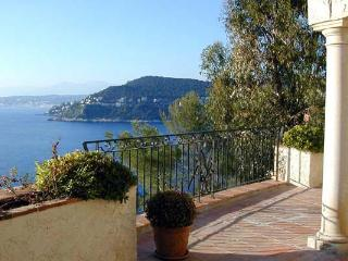 Ocean View, Built into a Rock Face, Stunning 5 Bedroom Home - Théoule sur Mer vacation rentals
