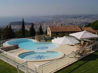Unique pool, overlooking the ocean. AZR 296 - Cannes vacation rentals