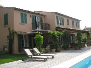 Quick walk to St. Tropez and beach. AZR 311 - Le Plan-du-Var vacation rentals