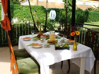 Bright Rome vacation B&B with Central Heating - Rome vacation rentals