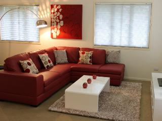 Popular 3 bedroom home in a great Brisbane location - Brisbane vacation rentals