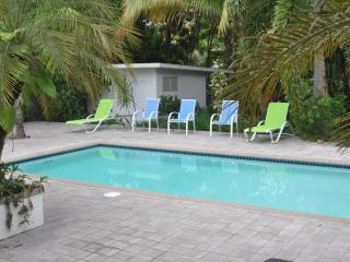 Casa Stella - Rincon, PR Wifi Pool Pets Considered - Rincon vacation rentals