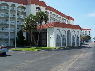 Upgraded Unit Steps Away From All Our Amenities! Pools, Tennis, and the BEACH - Fort Walton Beach vacation rentals