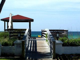 Beautiful one bedroom - one bath. You will love it here! - Fort Walton Beach vacation rentals