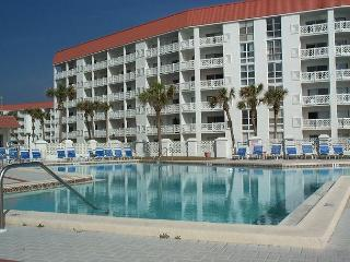 A Beach Getaway - Two Bedroom with a Great View to the Gulf. - Fort Walton Beach vacation rentals