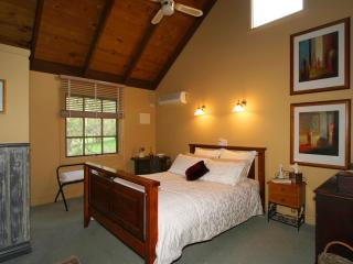 Trawool Cottages -  Pet friendly available - Seymour vacation rentals
