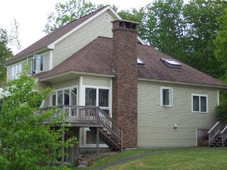 Deluxe Executive  Tri-level-close To Storyland Gol - Jackson vacation rentals