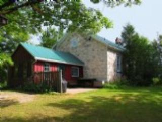 Ebenezer Schoolhouse a historic beauty - Honey Harbour vacation rentals