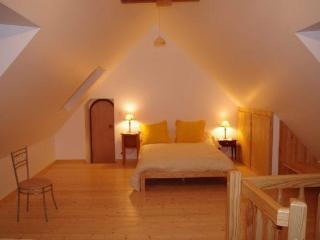 Nice 2 bedroom Treguier Cottage with Internet Access - Treguier vacation rentals