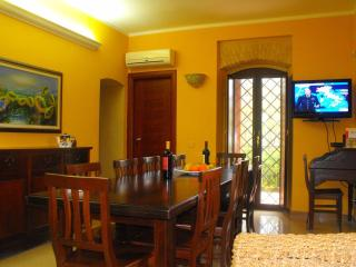Perfect 4 bedroom Realmonte Villa with A/C - Realmonte vacation rentals