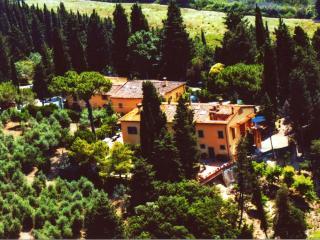 Comfortable 2 bedroom Villa in Empoli with Deck - Empoli vacation rentals