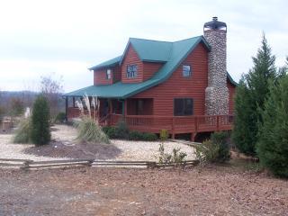 Carters Lake Lodge with lake and mountain views! - Ellijay vacation rentals