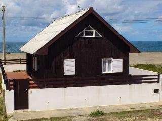 Detached cottage holiday house exclusively located, sea front with beautiful sea views. - Aveiro vacation rentals