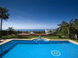 Beautiful 9 bedroom Marbella Villa with Balcony - Marbella vacation rentals