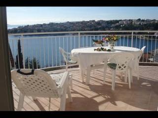 8045 A2 Drugi kat - Zuti (4+1) - Okrug Gornji - Okrug Gornji vacation rentals