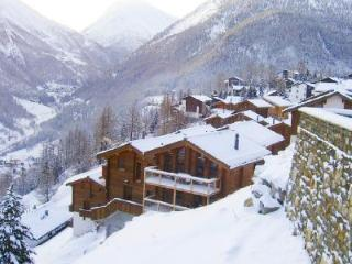 Stirling Luxury Chalet with floor-to-ceiling windows, 5 balconies & free shuttle to slopes - Valais vacation rentals
