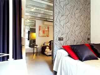 1 BR next to La Rambla/Pl. Catalunya - CentriK apt - Barcelona vacation rentals