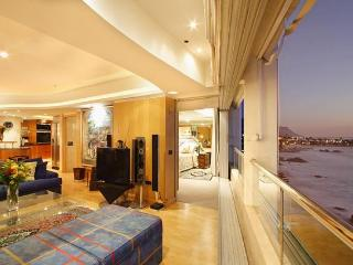 APARTMENT 2 BED - CLIFTON BLUE - Cape Town vacation rentals