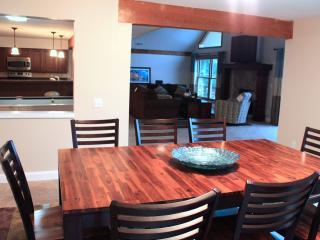 3000ft² - 4 BR (3 Master Suites) 3.5 BA Lake House - Camdenton vacation rentals