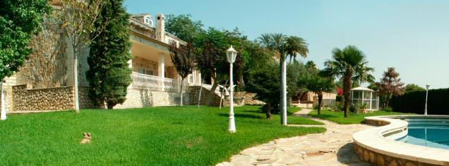 Mediterranean villa - Image 1 - Beniarjo - rentals