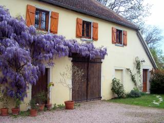 Cozy 2 bedroom Bed and Breakfast in Givry - Givry vacation rentals