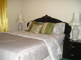 ITALIAN SUITE  - SUSAN'S VILLA - B&B/Hotel Garni - Niagara Falls vacation rentals