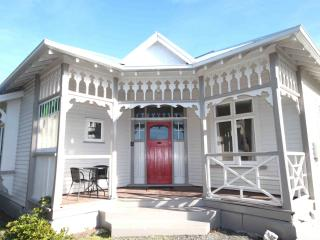 4 bedroom House with Internet Access in Riccarton - Riccarton vacation rentals