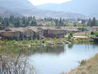 Okanagan Falls Condo Rental View and Walk to Skaha Lake Beach in BC Canada - Penticton vacation rentals