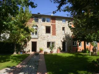 Lovely House with Internet Access and Dishwasher - Capannori vacation rentals