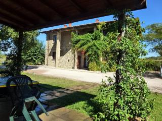 BRUFA apartment with pool at I MORI GELSI, Assisi - Torgiano vacation rentals