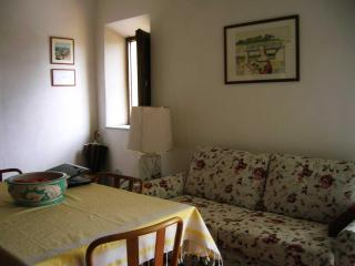 Nice Villa with Deck and Dishwasher - Vicopisano vacation rentals