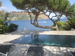 Luxury 4 Bedroom Villa with a Pool, in Cassis - Cassis vacation rentals