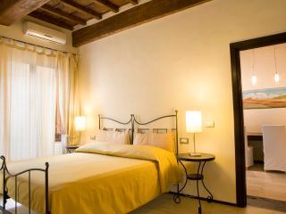 10 Corte- Luxury One Bedroom - Florence vacation rentals