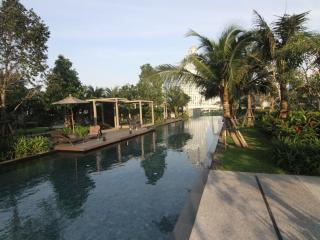 1 BR River Condo near BTS with View - Bangkok vacation rentals