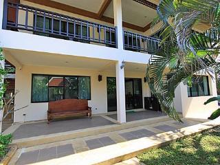 Pool Villa Azurite Great Location Central Pattaya - Jomtien Beach vacation rentals