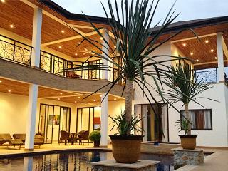Dreamy Pool Villa with Lake, Pool and Jacuzzi! - Patong vacation rentals